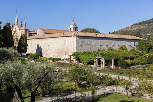 Monastère de Cimiez : lieu de sérénité sur les hauteurs de Nice