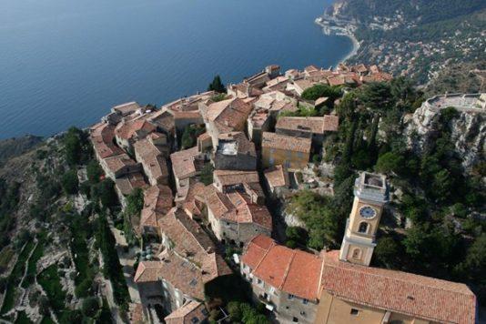 Èze : village perché avec vue 4 étoiles sur la Méditerranée